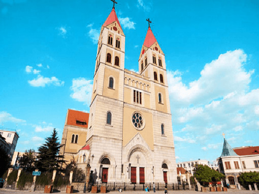 青岛圣弥厄尔教堂