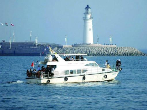 海上观光游艇